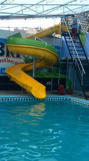 Piscinas con olas toboganes piscinas posot class for Piscinas con toboganes