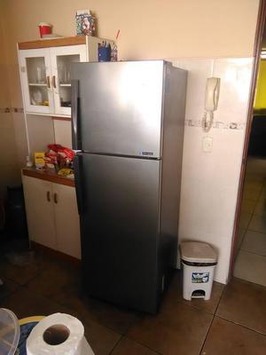 Refrigeradora Samsung.