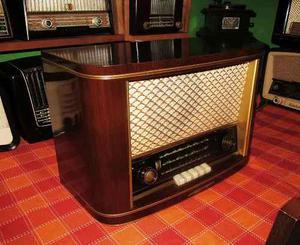 Antigua Radio Loewe Opta De Madera No Funciona