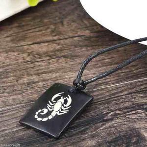 Collar Negro De Cuero Tallado Colgante De Hueso Escorpion