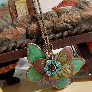 Collar Retro Pendiente De Mariposa De Múltiples Capas