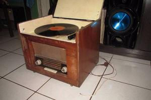 Antigua Radio Tocadisco Metz De Madera Funcionando