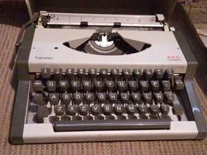 Ev Antigua Maquina De Escribir Olympia Aeg Traveller