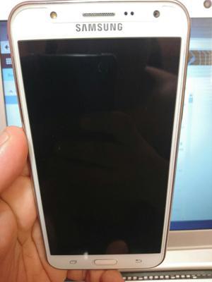 Vendo Samsung J7 Seminuevo Libre en Caja