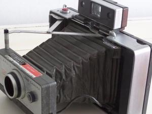 Antigua Camara Fotografica Polaroid De Fuelle Coleccion