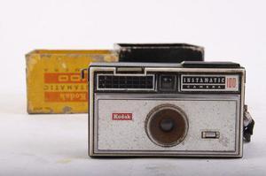 Camara Fotografica Antigua Kodak Instamatic 100 En Caja