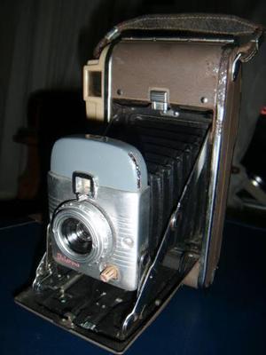 G25 Antigua Camara Fotografica Polaroid Land 80 A De Fuelle