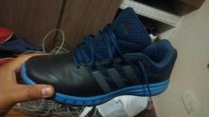 Zapatillas ADIDAS Color Azul y negro Talla 44
