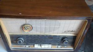 Radio Antigua a Tubos Alemana Funciona