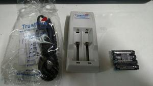 Cargador De Baterías Recargables Y 4 Baterias