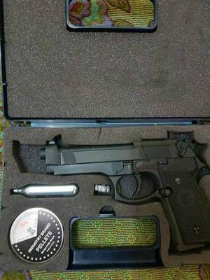 Pistola Pietro Beretta Co2. Hecha En Alemania. Oferton!!!!!