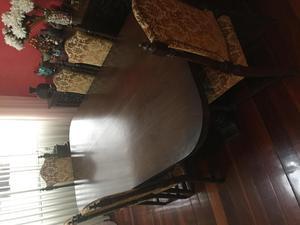 Mesa Antigua de madera con 6 sillas