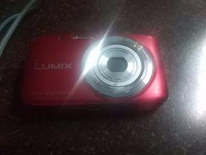 Camara Lumix Panasonic 16 Mpx Con Detalle Vendo Cambio