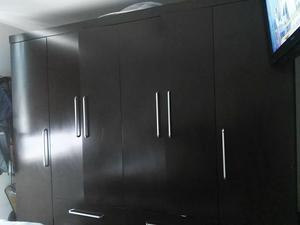 Closet 4 puertas 6 cajones. 2m30cm x 2.20