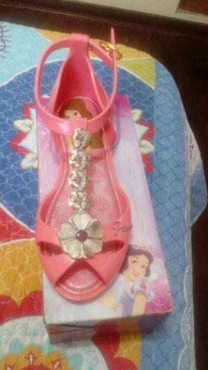 Bellas sandalias princesas originales talla