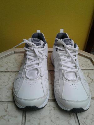 Vendo Zapatilla Nike Tlite Xl