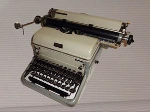 Antigua Maquina De Escribir Grande Full Metal Funcionando