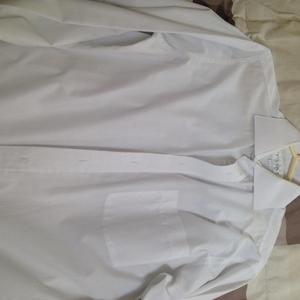 Vendo Camisa de Vestir Marca Trial