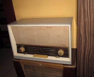 Antigua Radio A Tubos Saba