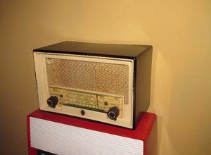 Antigua Radio Siera A Tubos