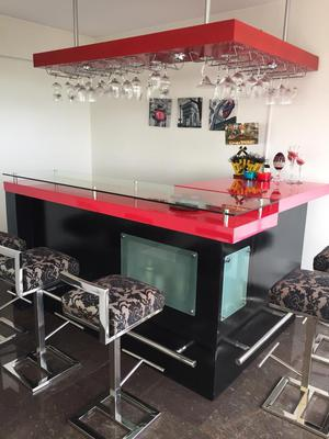 Espectacular Bar Rojo Y Negro