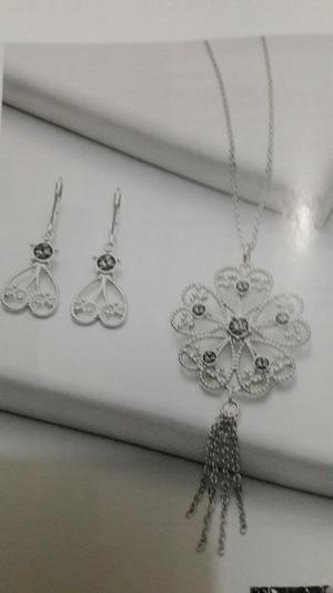 0065eec9a220 Coleccion diva diamond collar aretes new