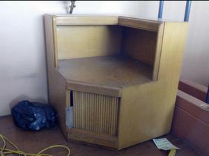 Mueble esquinero en madera tallada para sala posot class for Esquineros de madera para sala