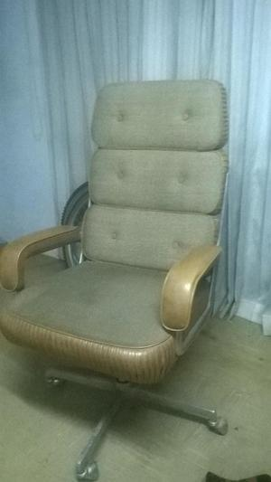 Vendo silla giratoria para oficina