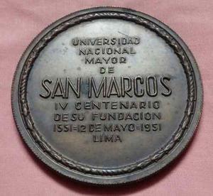 Medalla Antigua De La Universidad San Marcos.