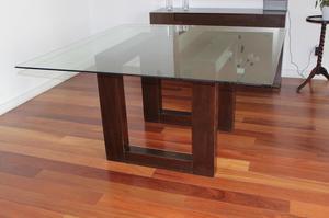Comedor en cedro con mesa vidrio lima posot class for Mesa 8 personas medidas