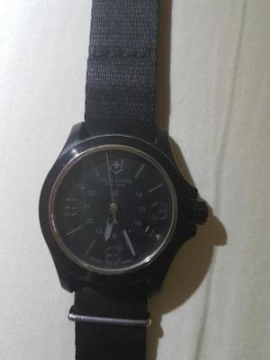 Reloj Victorinox, Suizo.