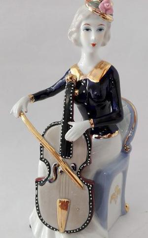 Escultura En Porcelana Violinista