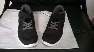 Zapatilla para niño marca Nike