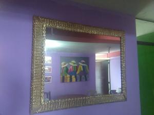 Espejo en Marco Tallado Oro