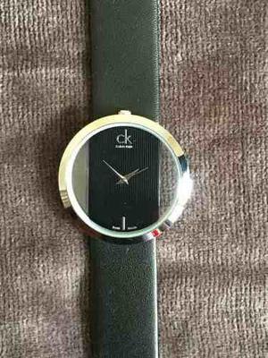 Reloj Ck Cristal Transparente Y Cuero