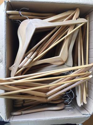 Colgadores de madera posot class for Colgadores de madera