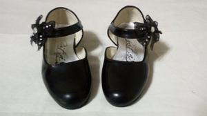 Zapatos De Charol De Niña Talla 25 Y 26 Buen Estado 2x1