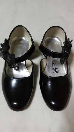 Zapato Charol de Niña Talla 26