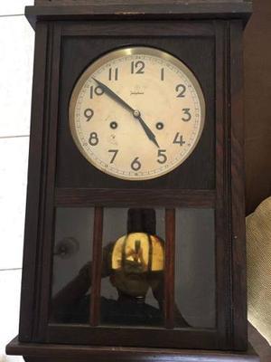 Antiguo Reloj De Pared De Pendulo Marca: Junghans
