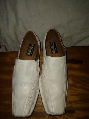 Zapatos de Puro Cuero Usados Talla 42