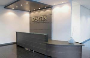 Counters de recepcion modernos imagenes posot class for Recepcion oficina moderna