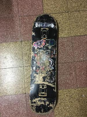 Tabla de Skate Black Tower de 7.5