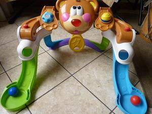 FISHER PRICE GIMNASIO DIDACTICO MUSICAL CON LUCES