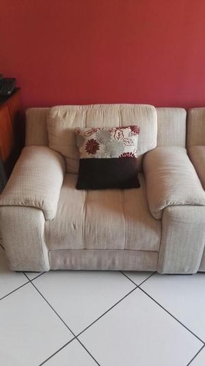 Juego de muebles para sala color beige posot class for Muebles beige