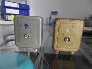 Antigua Alcancia De Metal Pesado Juguete Coleccion