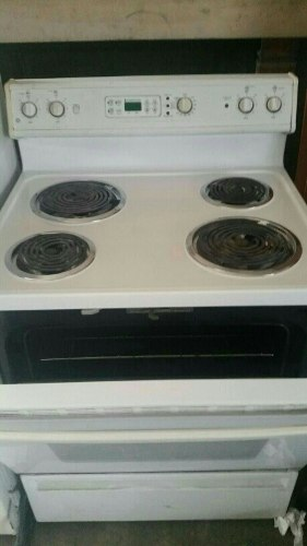 Vendo cocina el ctrica con horno grande posot class for Cocinas electricas con horno