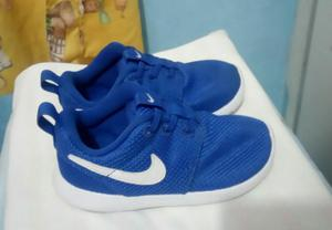 Vendo Zapatillas Nike para Niño