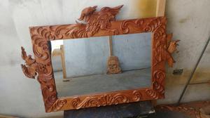 Consola con marco de espejo en madera de cedro posot class for Modelos de espejos con marcos de madera