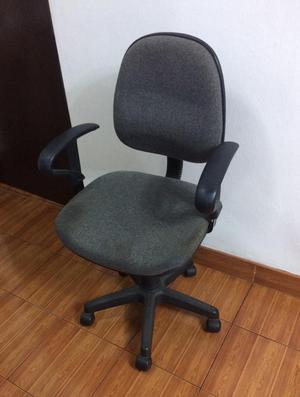 Silla de Escritorio Giratoria Ploma Regulable