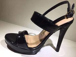 Zapatos Calado De Cuero Charolado Arg. Color Negro Talla 37